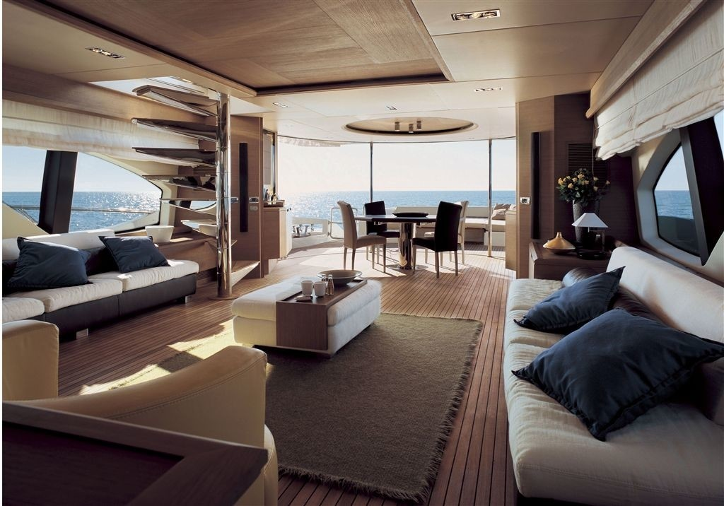 The 30m Yacht CRYSTAL