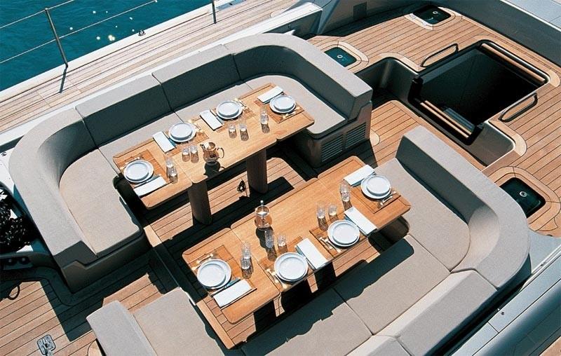 The 30m Yacht DARK SHADOW