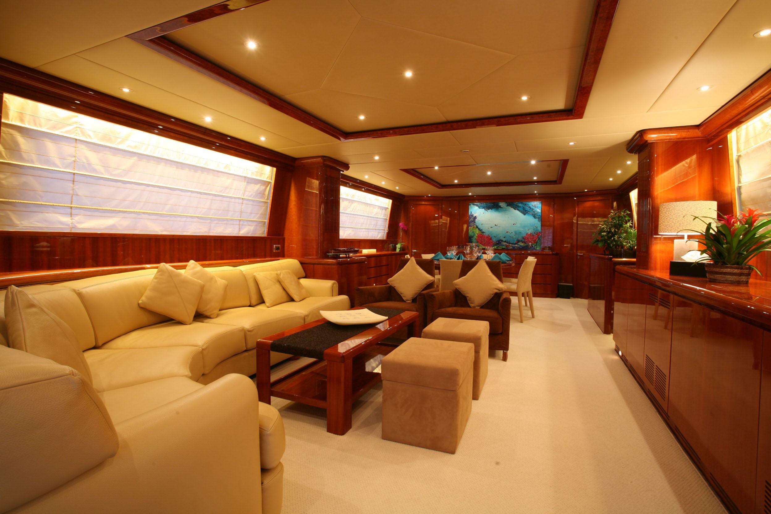 The 30m Yacht POWDERMONKEY OF LONDON
