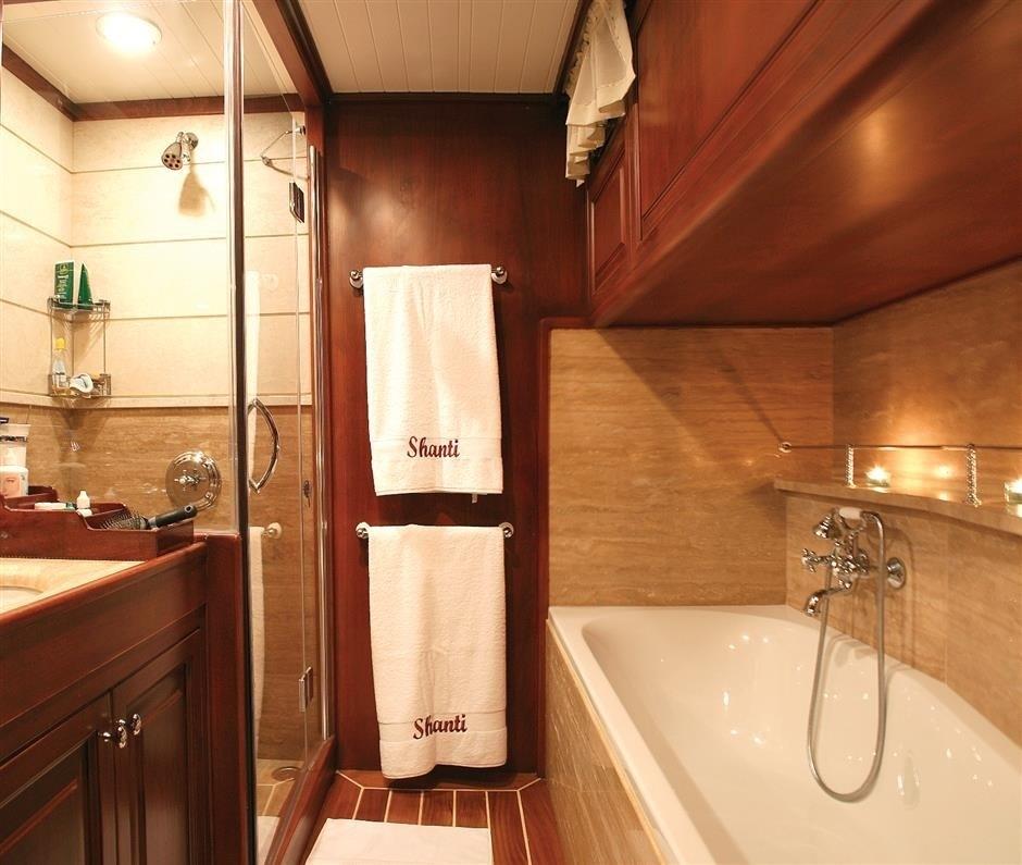 The 33m Yacht SHANTI
