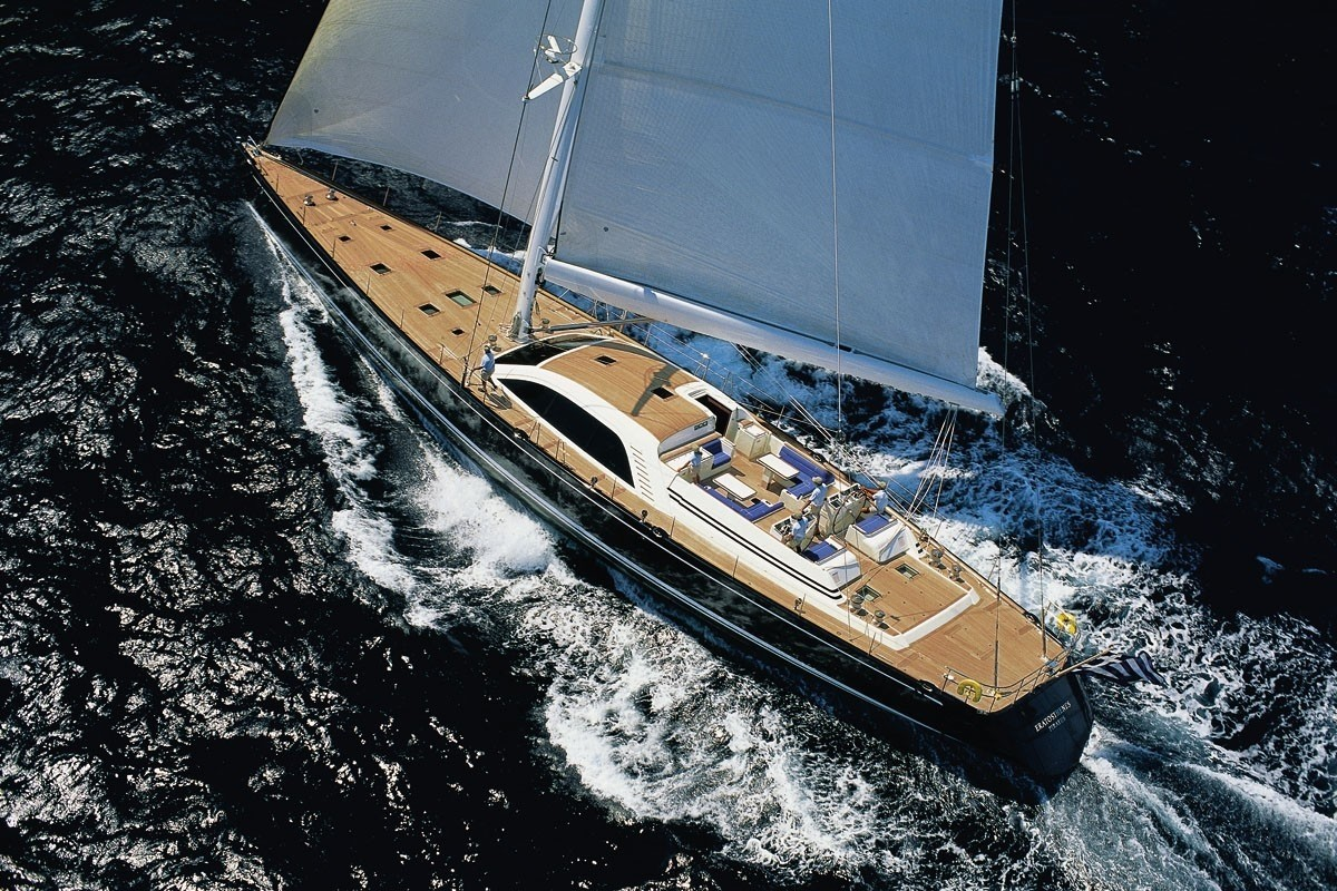 The 34m Yacht HIGHLAND BREEZE
