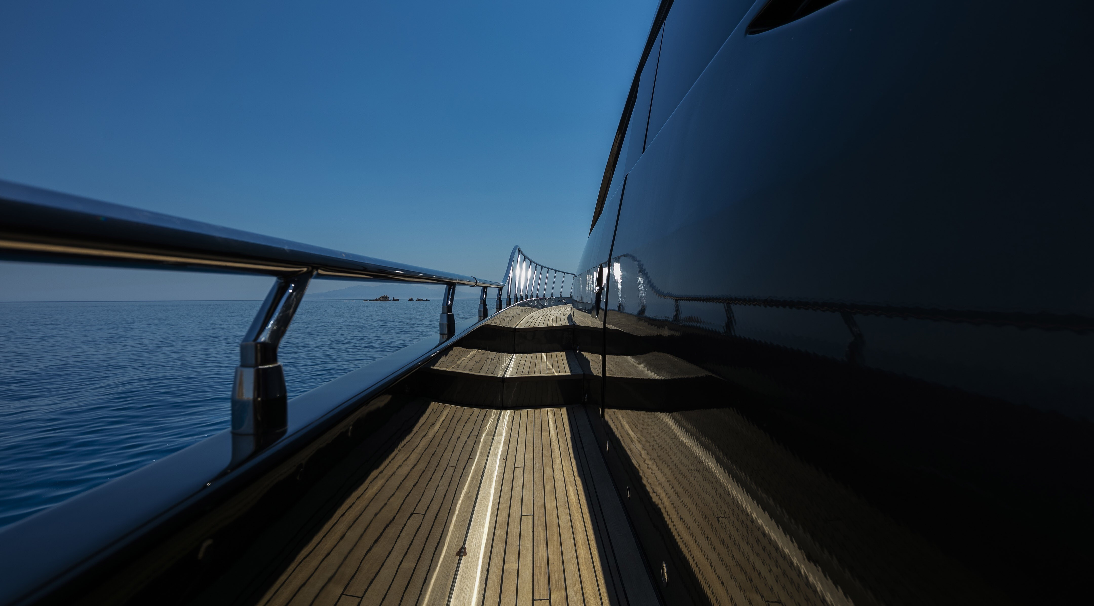 The 34m Yacht SAINT