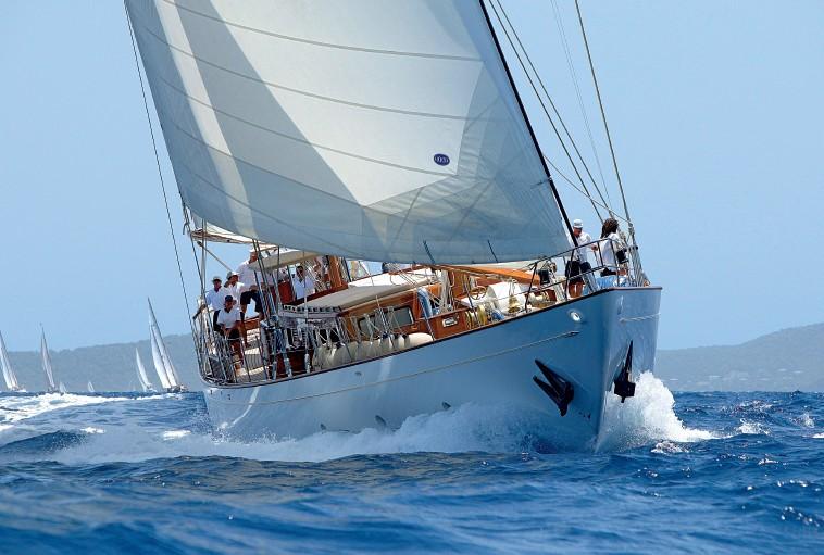 Forward Aspect: Yacht TIZIANA's Cruising Photograph