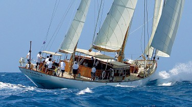 Profile Aspect: Yacht TIZIANA's Cruising Pictured