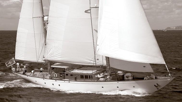 Profile Aspect Aboard Yacht TIZIANA