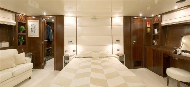 VIP Cabin Aboard Yacht LET IT BE