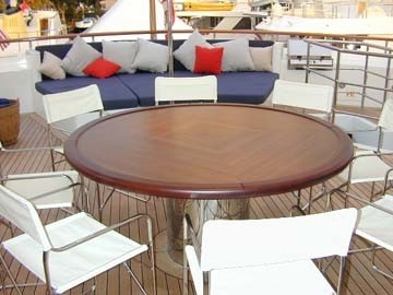 External Eating/dining On Yacht RH III