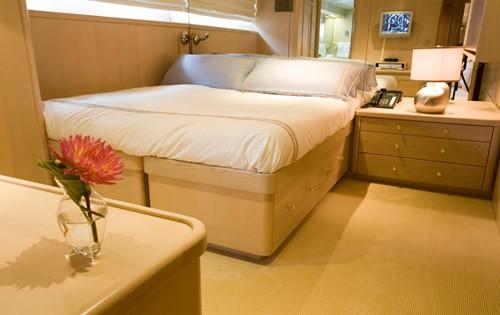 Convertible Guest's Cabin Aboard Yacht SILENT WORLD II