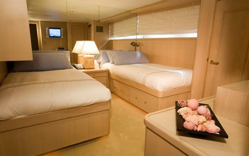 Twin Bed Cabin On Yacht SILENT WORLD II