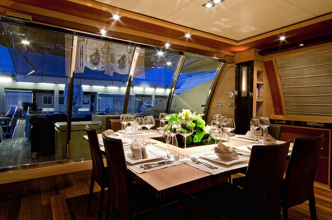 Eating/dining Saloon On Yacht VANQUISH