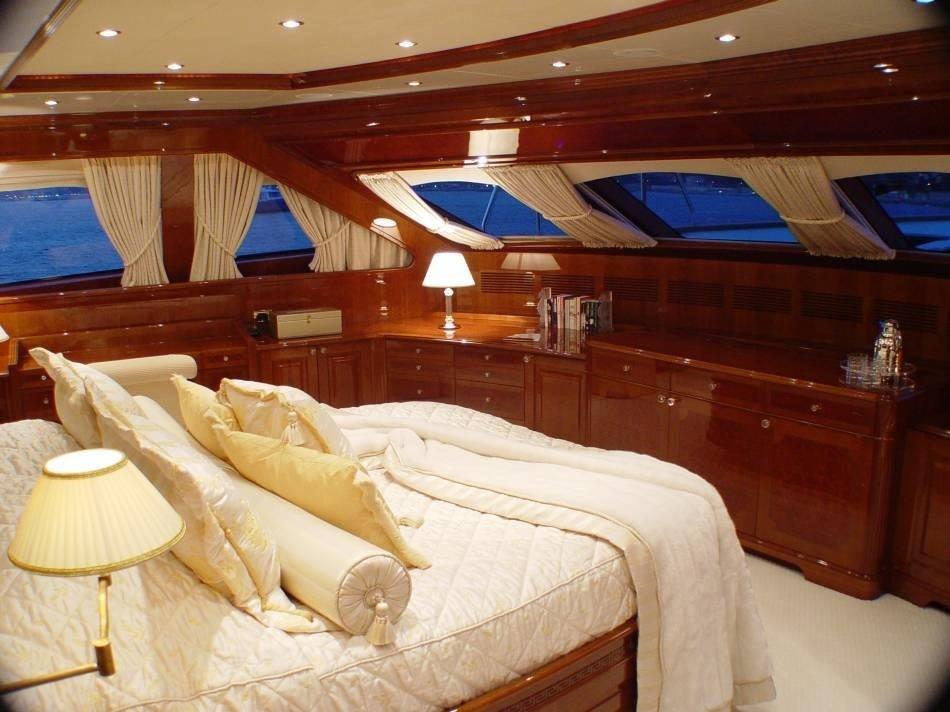 Main Master Cabin On Board Yacht WILD THYME