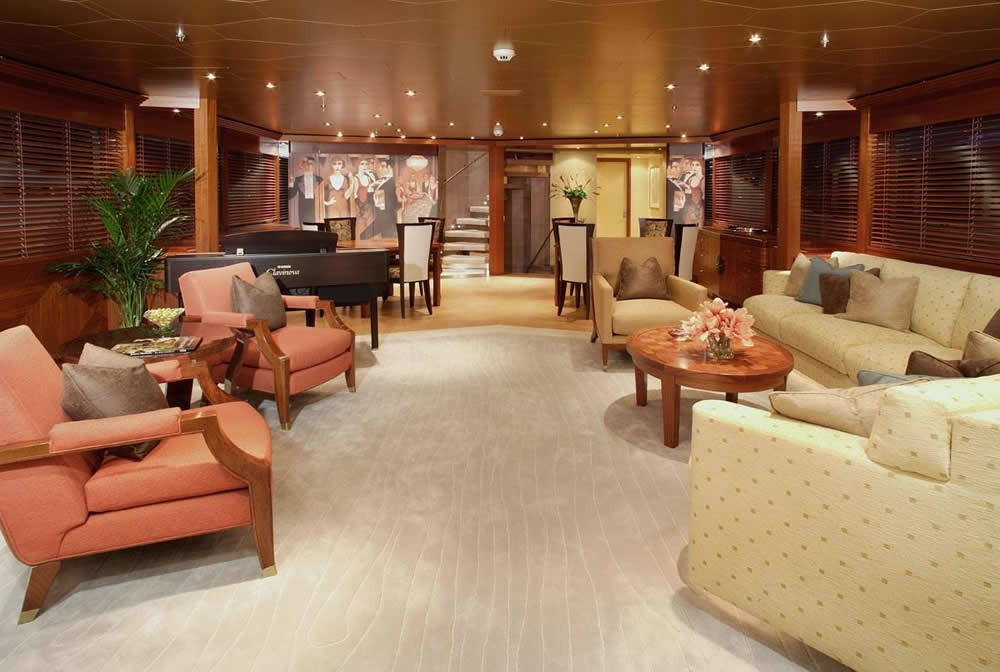 Premier Saloon Aft On Board Yacht PERLE BLEUE