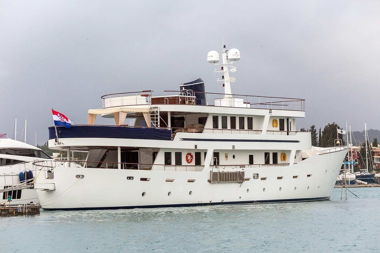 The 39m Yacht DONNA DEL MARE