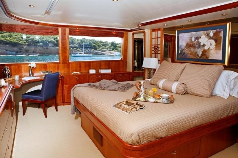 Main Master Cabin Aboard Yacht ENDLESS SUMMER