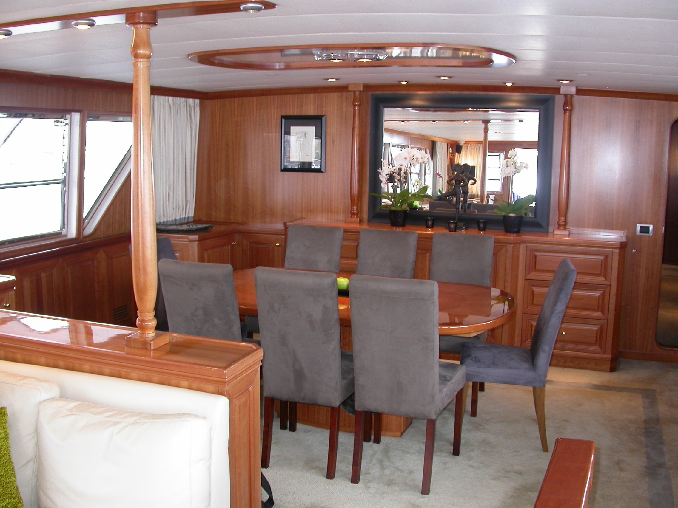 Eating/dining Saloon Aboard Yacht AVA