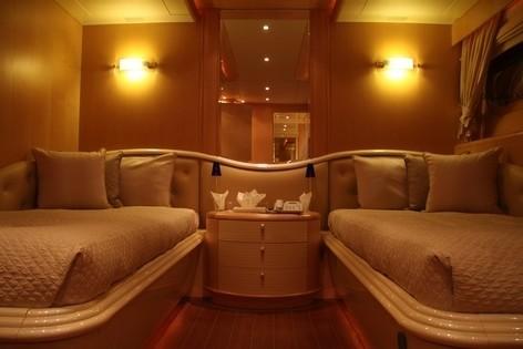 Twin Bed Cabin On Yacht BLUE BREEZE