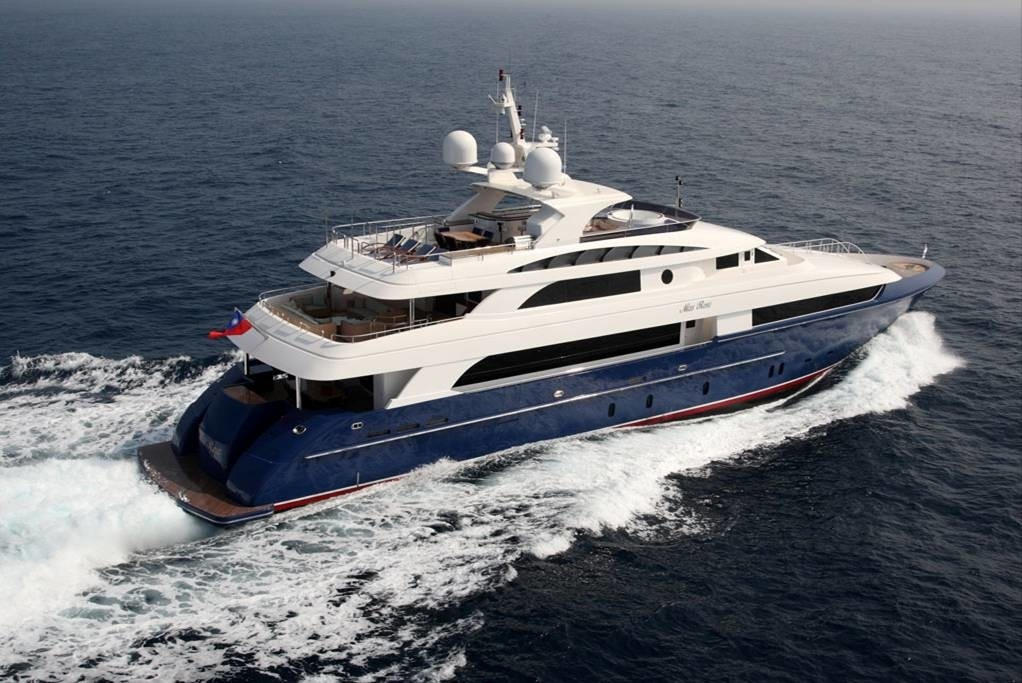 Cruising Aboard Yacht LADY LEILA