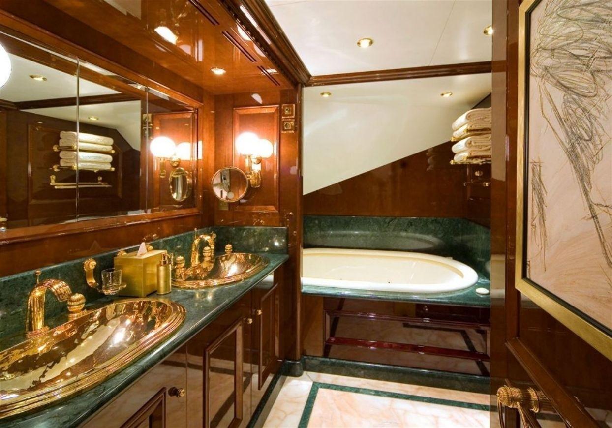 Guest's Bath Aboard Yacht DE DE