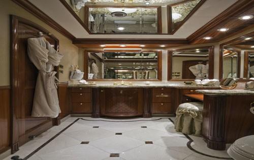 Main Master Bathroom Aboard Yacht PENNY MAE