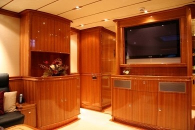 Screening: Yacht THIS IS US's Main Master Cabin Image