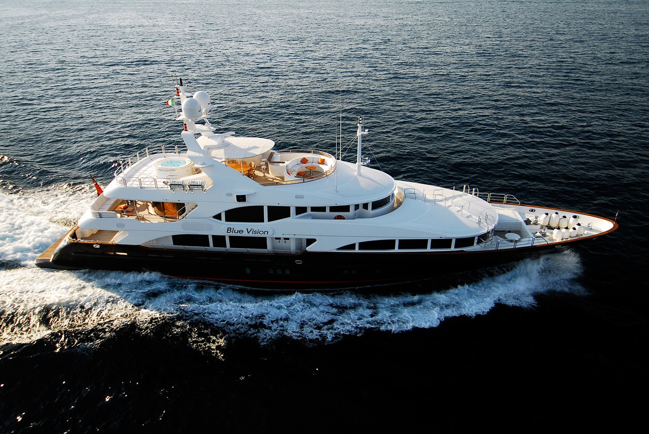 Cruising Premier Overview Aboard Yacht BLUE VISION