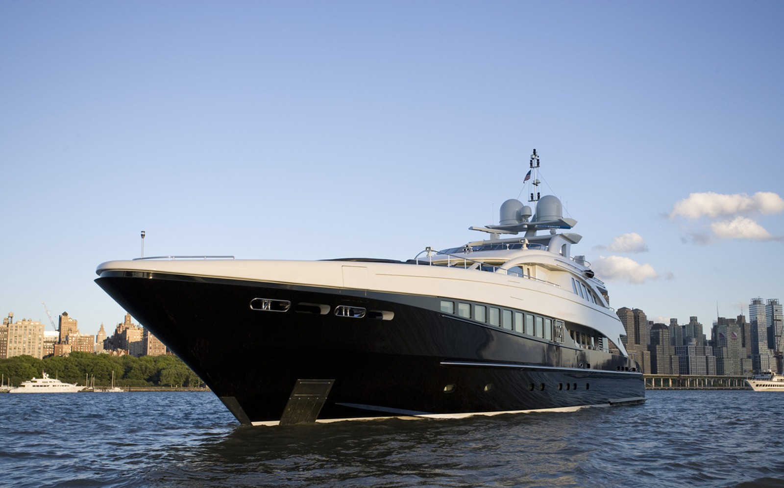 Profile On Yacht BLISS