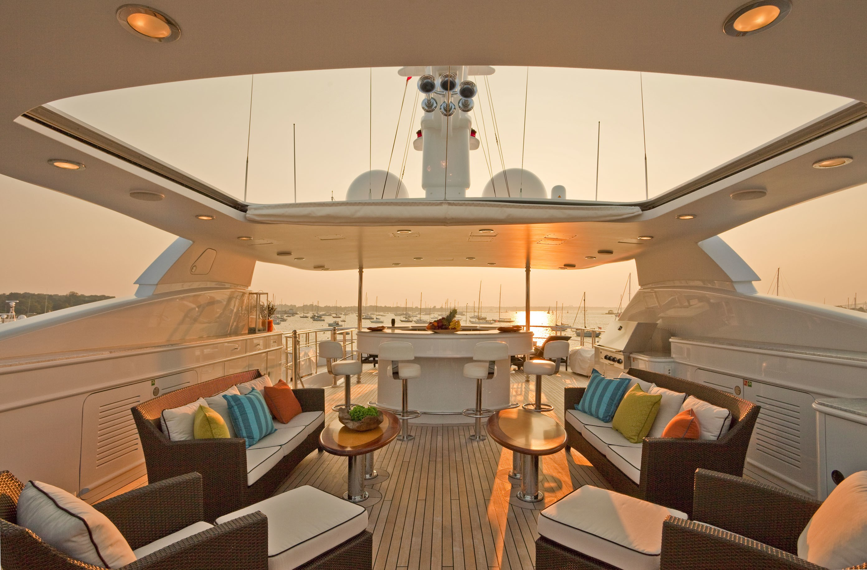 Hard Upper Retracted: Yacht COCO VIENTE's Sun Deck Sitting Photograph