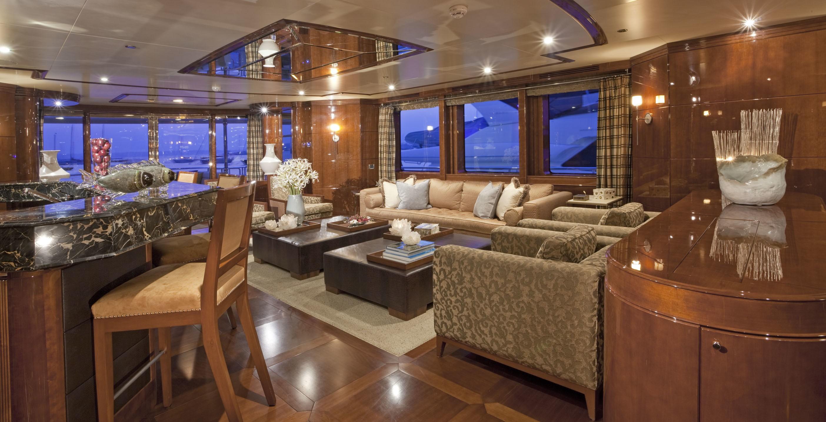 Saloon Aboard Yacht COCO VIENTE