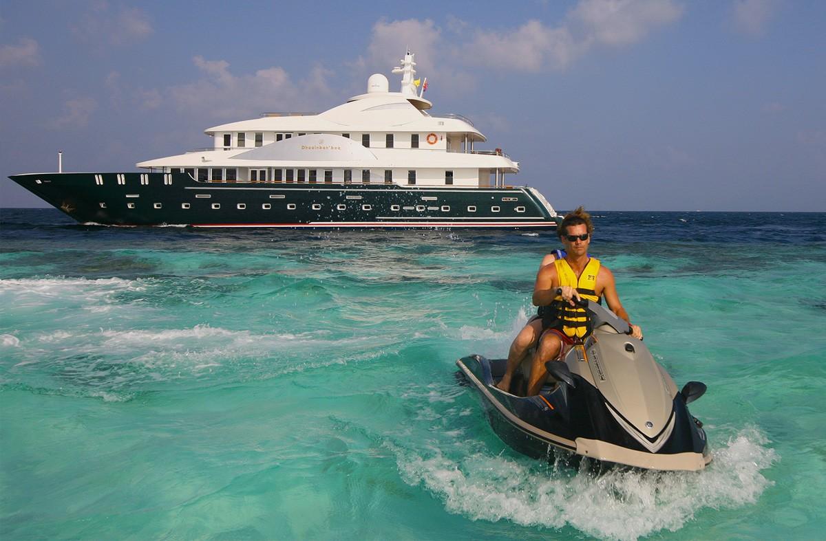 Yacht Including Jetski Skiing On Board Yacht DHAAINKAN'BAA