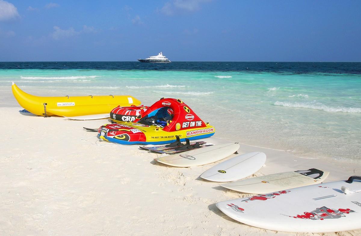 Toys On Yacht DHAAINKAN'BAA