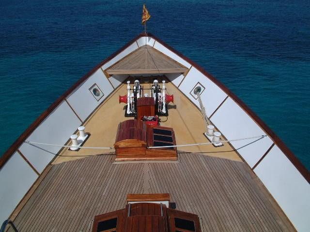 Bow on the 45m Yacht ILONKA