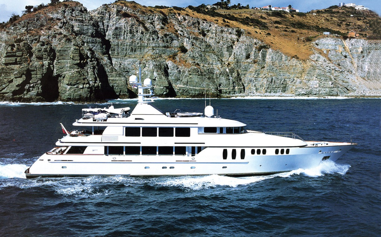 Premier Overview On Board Yacht CLAIRE