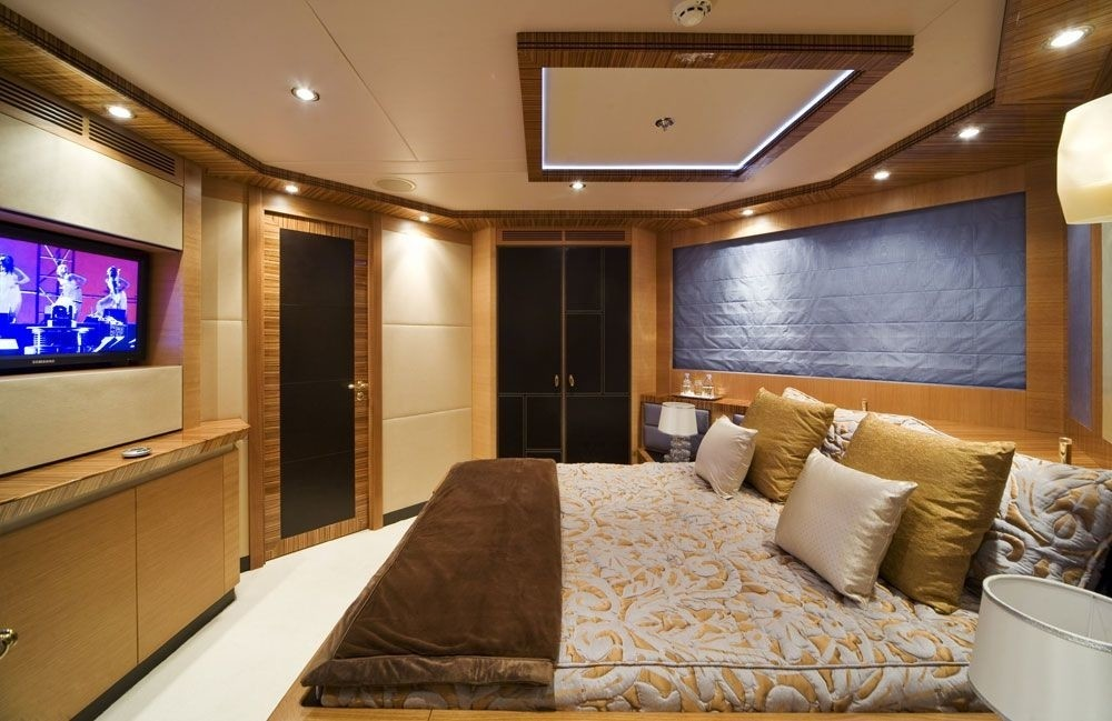 Guest's Cabin On Board Yacht HOKULANI