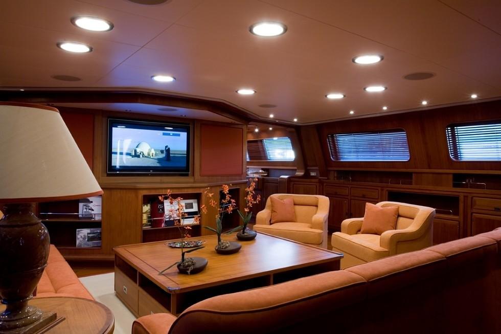 Premier Saloon On Board Yacht ANTARA
