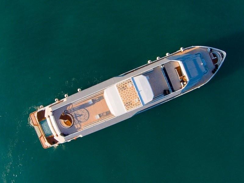 The 47m Yacht DESERT ROSE I