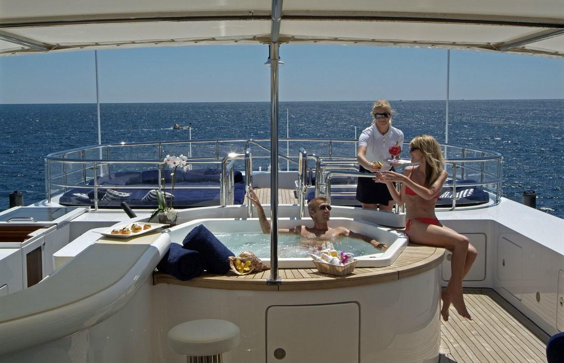 Sun Deck Jacuzzi Pool On Yacht QM OF LONDON