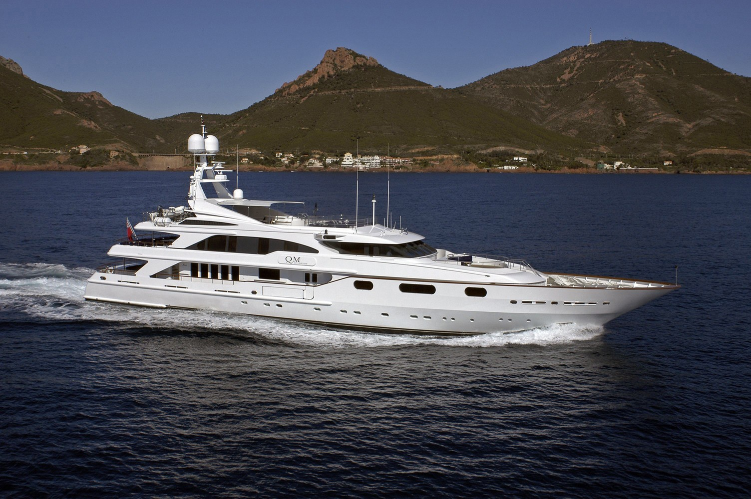 Overview: Yacht QM OF LONDON's Cruising Image