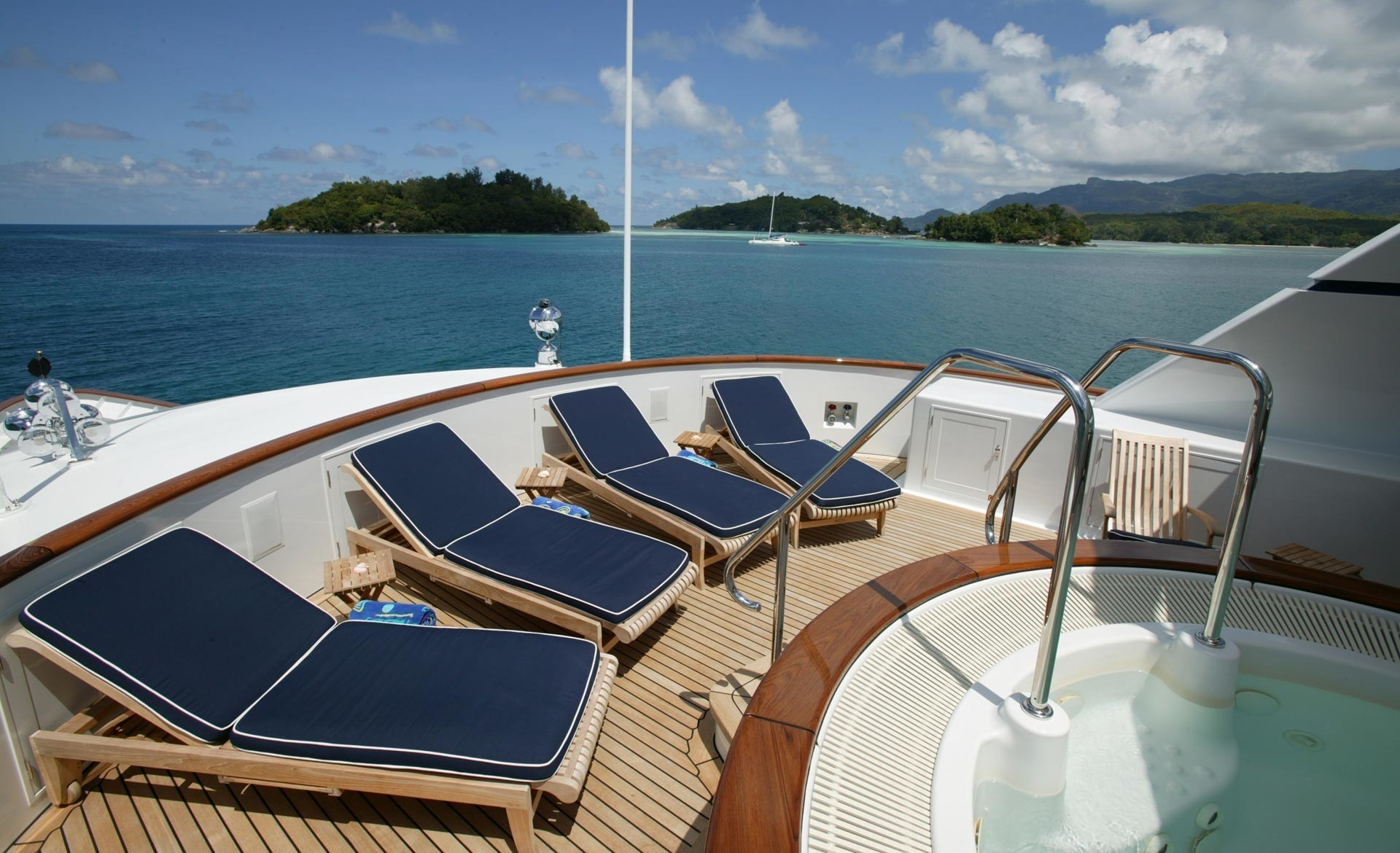 Jacuzzi Pool With Sunshine Lounging Aboard Yacht TELEOST