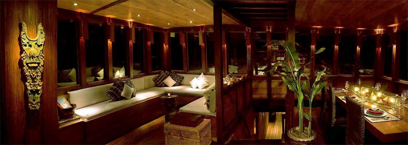 Saloon And Dining On Board Yacht SILOLONA