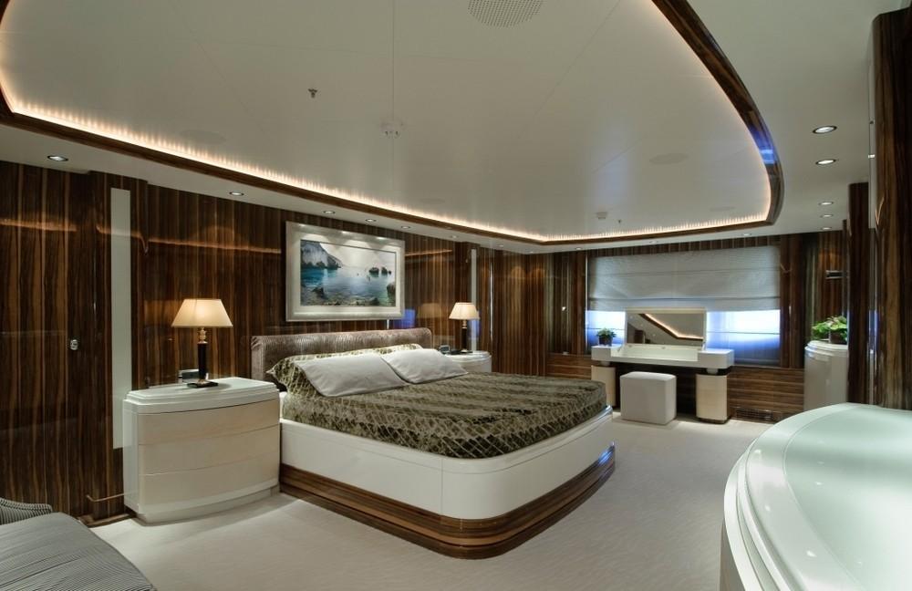 Main Master Cabin On Yacht O'NEIRO