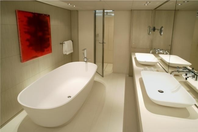 Main Master Bath On Yacht RED DRAGON