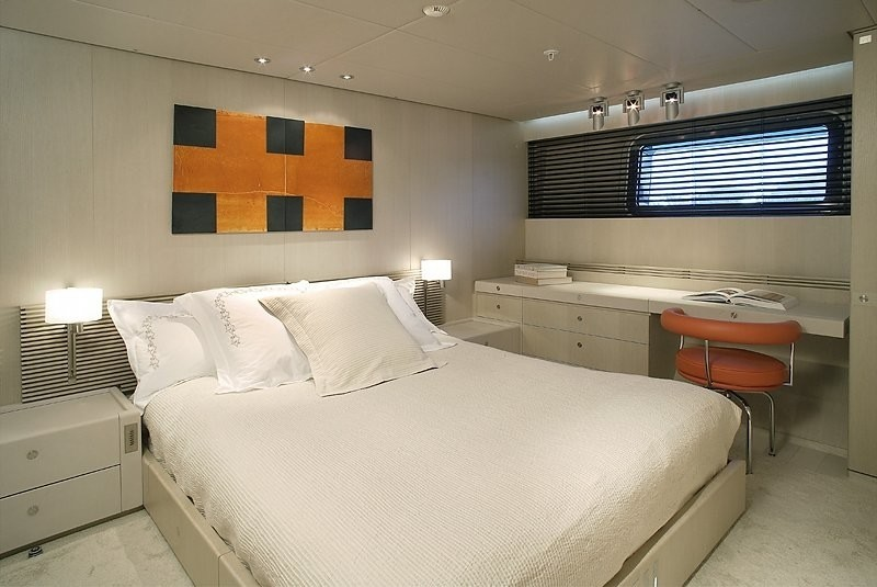 Guest's Cabin Aboard Yacht RED DRAGON
