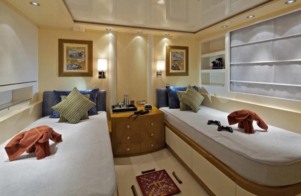 3rd Twin Bed Cabin Aboard Yacht MIA RAMA