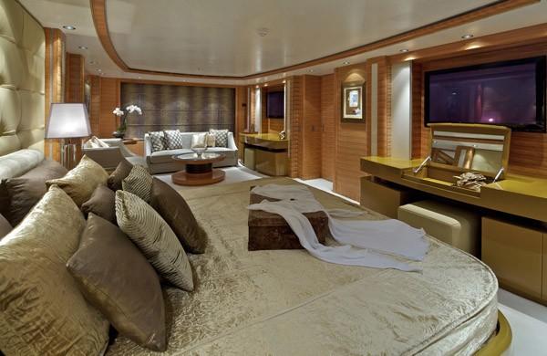 Berth: Yacht MIA RAMA's Main Master Cabin Captured
