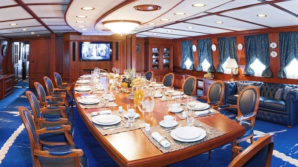 Eating/dining Saloon On Yacht SEAGULL II