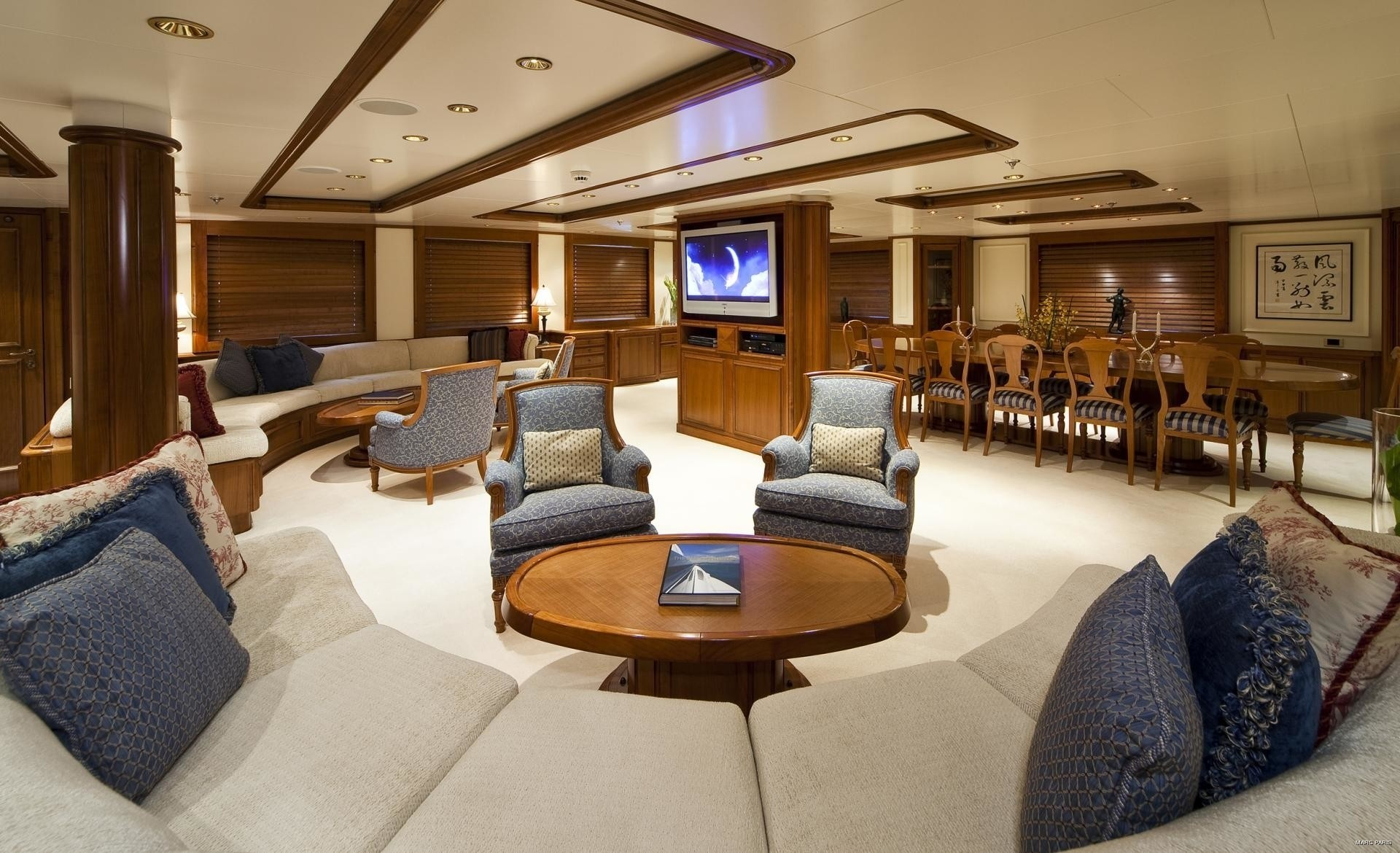 Sitting: Yacht SEAWOLF's Premier Saloon Photograph