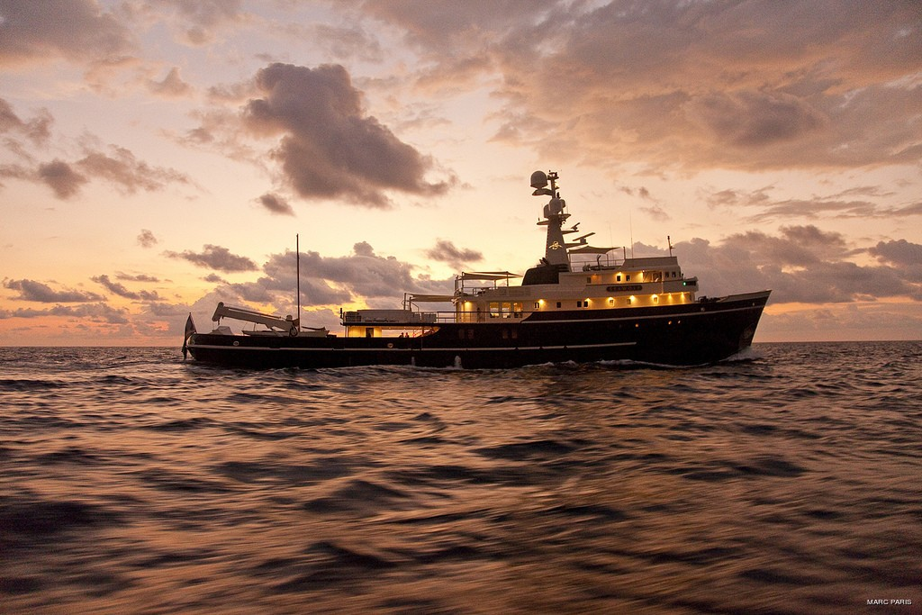 Sunset Dusk: Yacht SEAWOLF's Overview Image