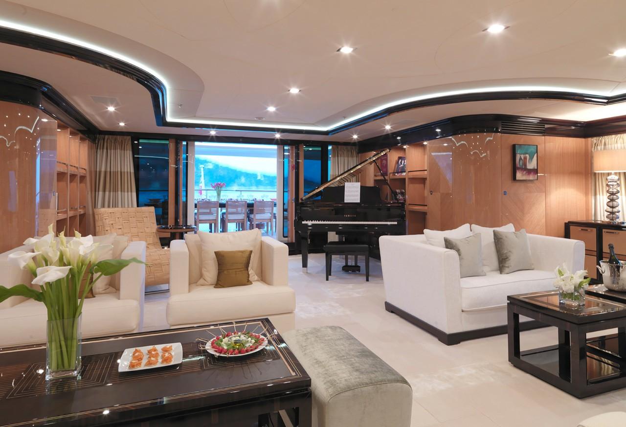 sky lounge upper deck saloon