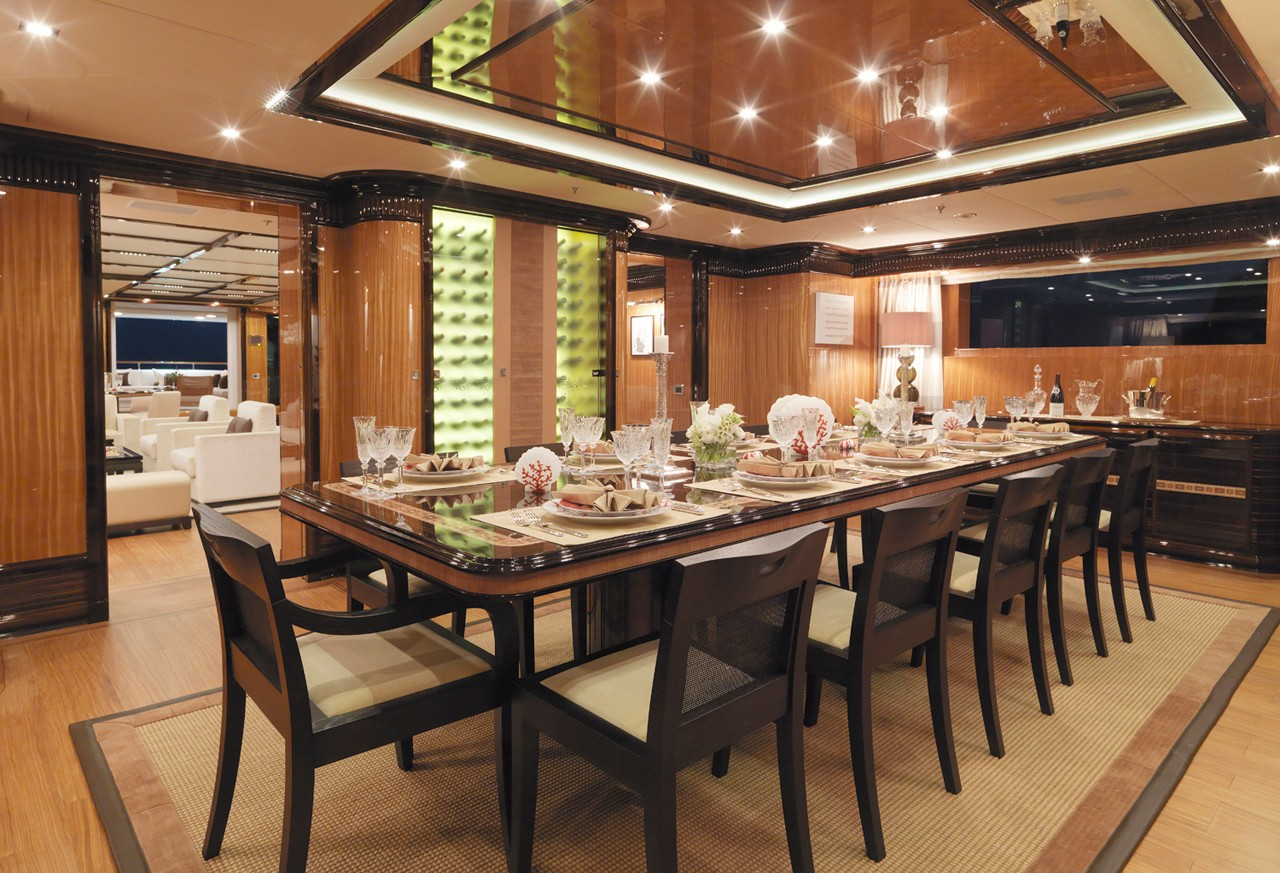 main formal dining area on the interior aft of the saloon on the main deck