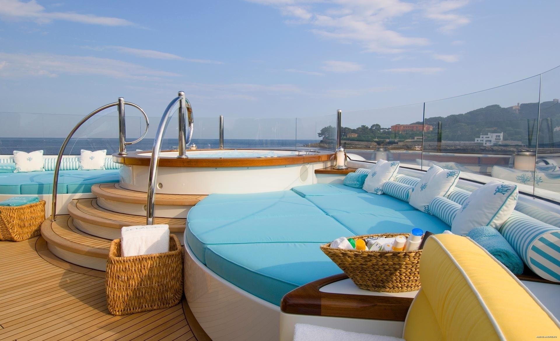 The 59m Yacht OASIS